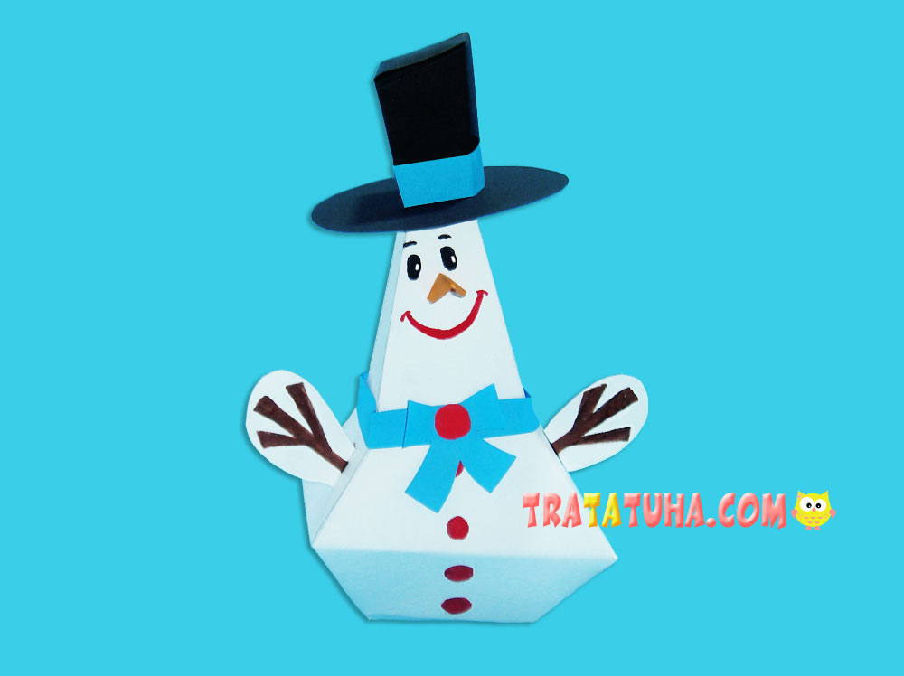 Volumetric paper snowman with template